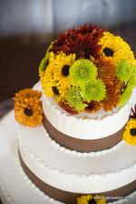 wedding flowers florist- Cake with flowers